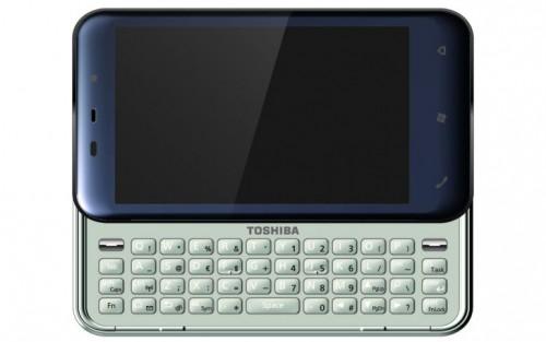 東芝のドコモ向けスマートフォン TG02