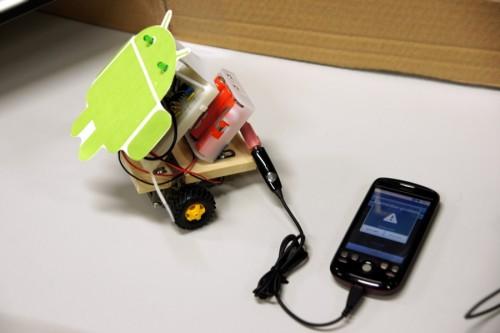 Android端末からの音声信号で動くミニロボットカー